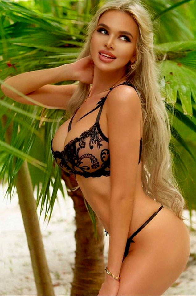 Elisa Bethann, Lingerie Model   Welcome To The 007 World!